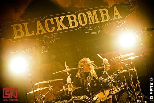 2009_11_26_black-bomb-a