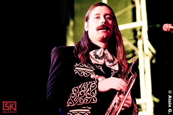 2010-05-18-mariachi