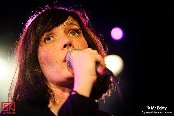 Photos concert : Festival Les Femmes S'en Mêlent - Sarah Blasko @ La Maroquinerie, Paris | 01 avril 2010