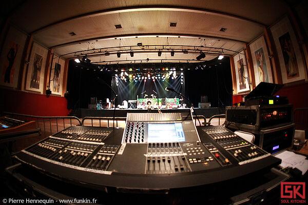 Photos concert : La Jam + Colocks @ Salles des fêtes, Chaumont   1er mai 2010