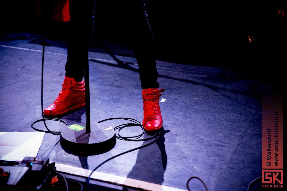 20150506_nico_and_the_red_shoes