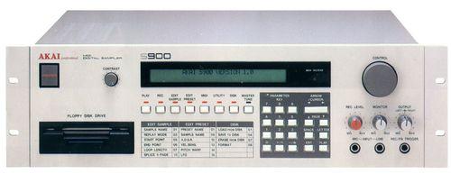 Akaï S900