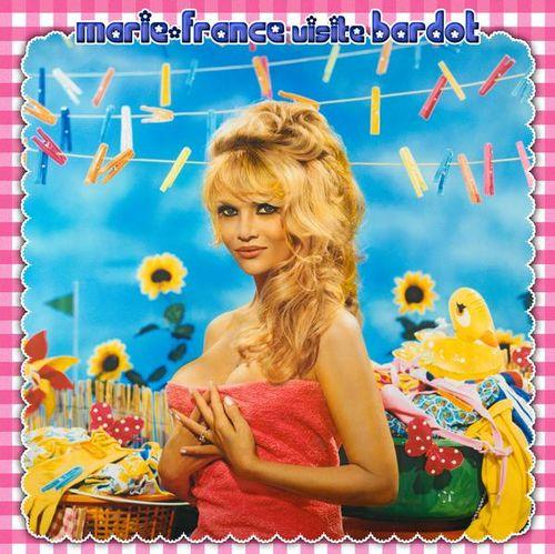 Marie-France, une belle blonde