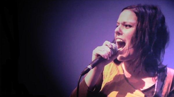 Vidéos des concerts de Olivia Pedroli, Melissmell au Café de la Danse, Paris| 17 novembre 2010