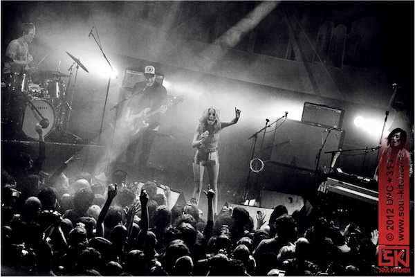 photos : The Asteroids Galaxy Tour @ le Trianon, Paris | 16 avril 2012