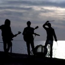 clip : Nada Surf - Waiting For Something