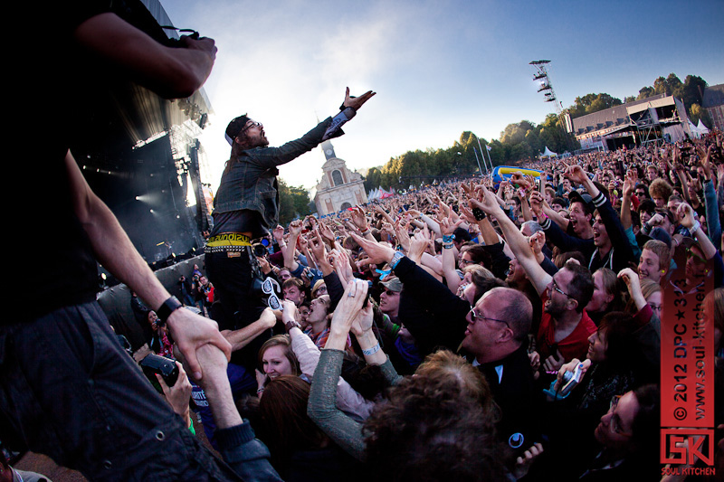 Photos concert : Shaka Ponk @ Main Square Festival, Arras | 01 juillet 2012