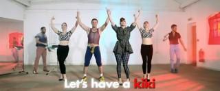 clip : Scissor Sisters – Let's Have A Kiki