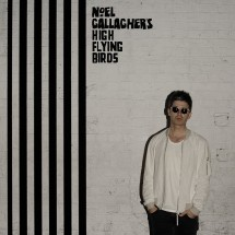 Noel Gallagher roule des patins