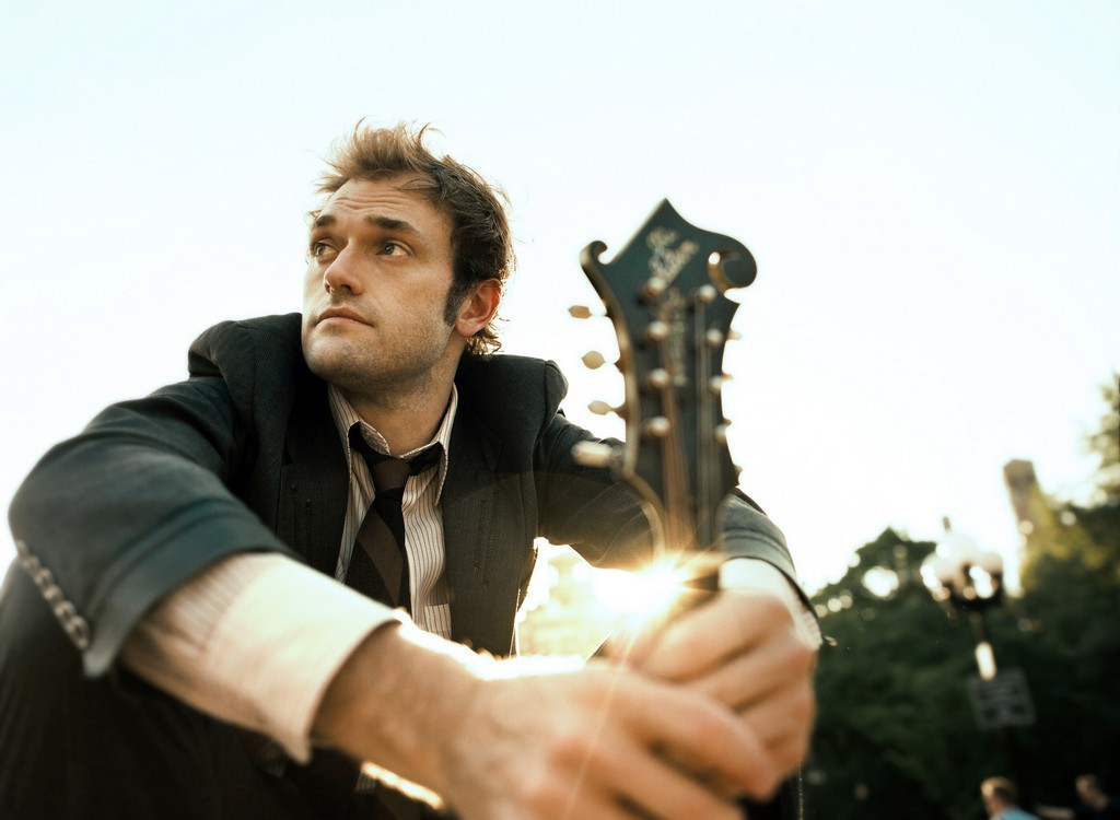 Chris Thile © Brantley Gutierrez