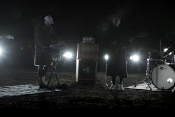 Vidéo : Yeast – Black Nights