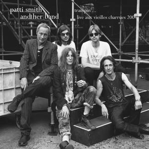 Patti Smith - Trampin'… Live Aux Vieilles Charrues 2004